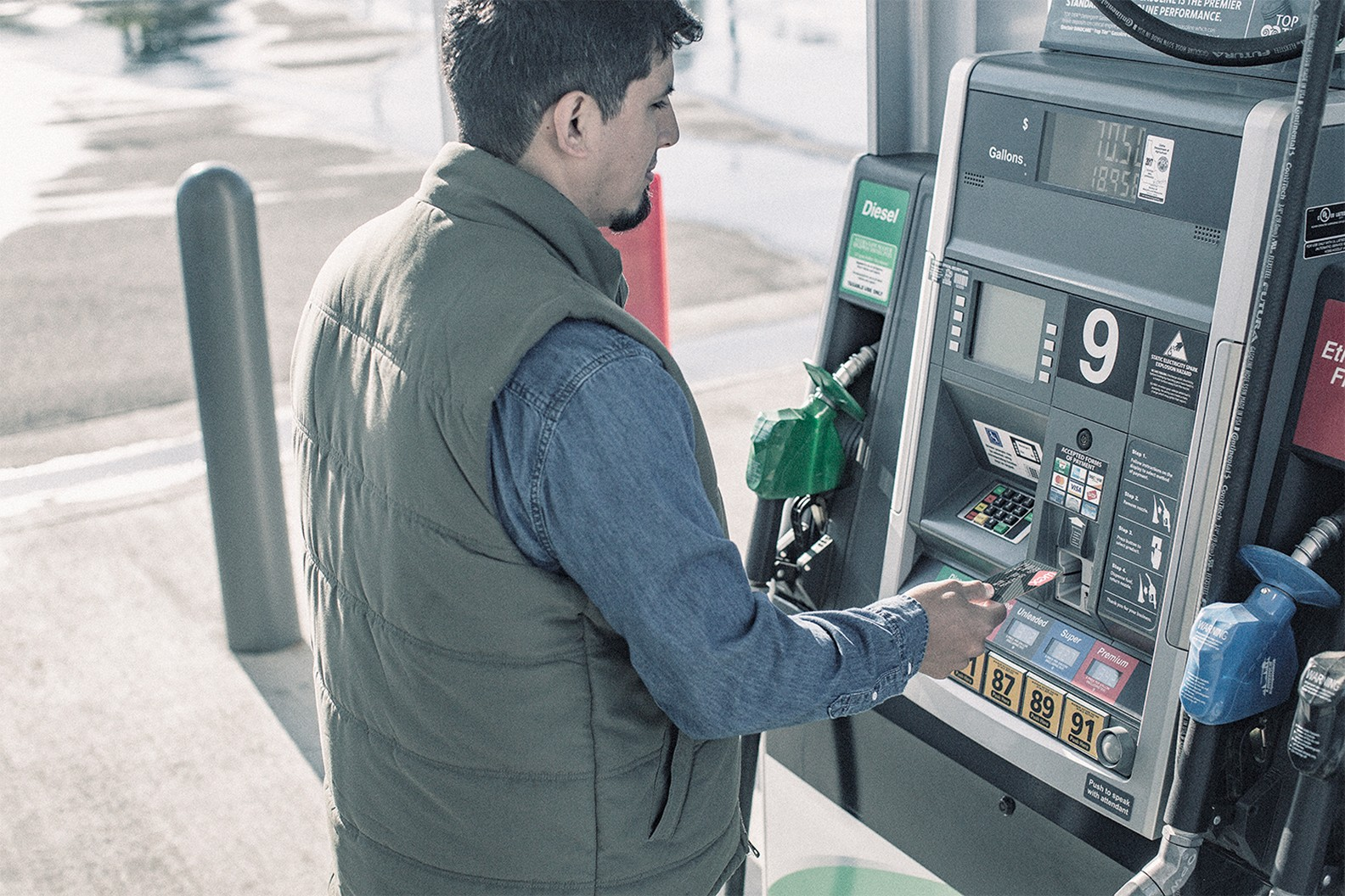 driver uses WEX card to pay for gas