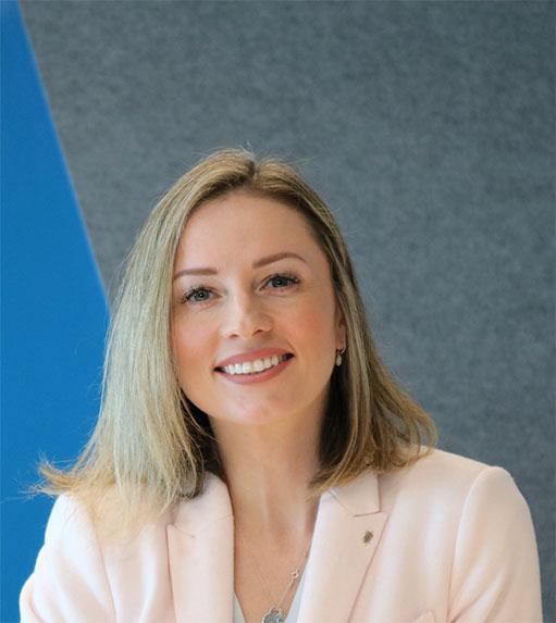 Elena Mikuzis, Founder of WEXPats